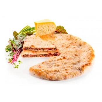 """Осетинский пирог с листьями свеклы и сыром """"цахараджин"""""""